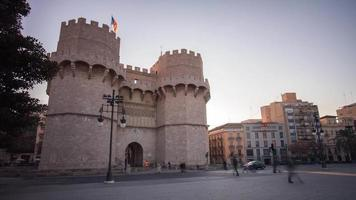 Spagna tramonto luce torres de serranos valencia traffico strada 4k lasso di tempo