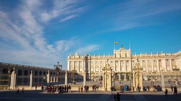 luz do sol de madri palácio real turista vista craowded 4k time lapse espanha video