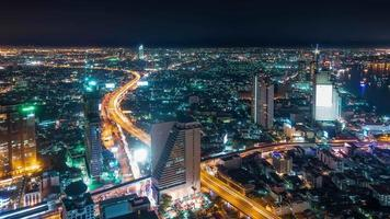 Thaïlande bangkok ville nigh tillumination trafic toit top panorama 4k time-lapse video