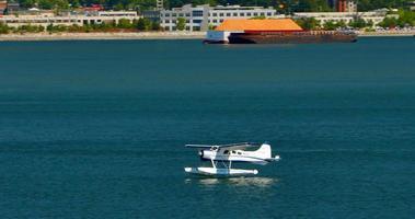 Wasserflugzeug landet auf Vancouver, Burrard-Einlass, Kohlenhafen, Kanada