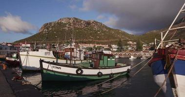 barche a Kalk Bay Harbor Cape Town, Sud Africa video