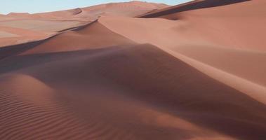 4k statische Aufnahme von Sand über den Sanddünen im Namib-Naukluft-Nationalpark