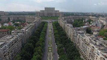 Tiro de drone 4k del palacio del parlamento