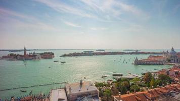 itália dia de verão san marco campanile ponto de vista santa maria della salute basílica panorama 4k time lapse video