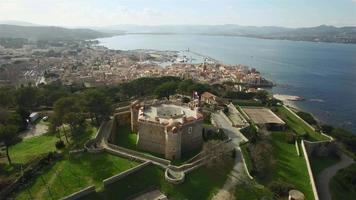 frança, riviera francesa, saint tropez, vista aérea da cidadela video
