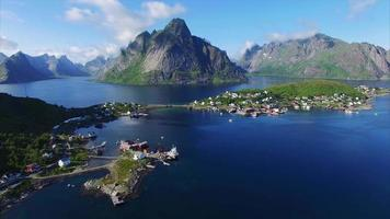 reine nas ilhas lofoten na noruega do ar video