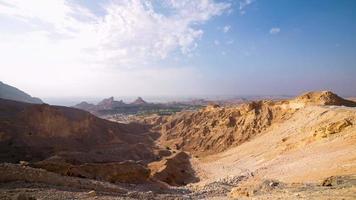 Zeitraffer in den Bergen von Al Ain in der Nähe von Dubai