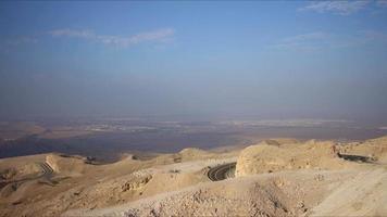 Zeitraffer der Bergverkehrsstraße von al ain in der Nähe von Dubai