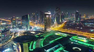iluminación nocturna dubai mall roof top city panorama 4k time lapse emiratos árabes unidos