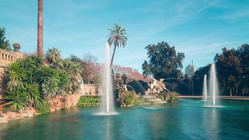 barcellona parco de la ciutadella fontana cielo blu 4k lasso di tempo spagna