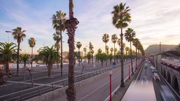 espagne barcelone marche baie trafic route coucher de soleil panorama 4k time-lapse