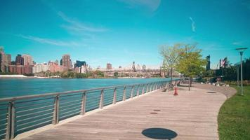 giorno gantry plaza state park bay 4k lasso di tempo da new york video