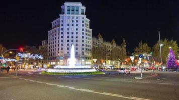luz noturna barcelona cruzamento tráfego 4k time lapse espanha