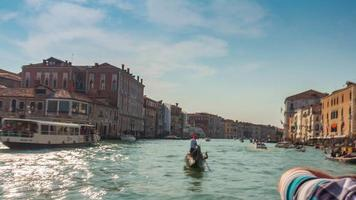 itália grande canal santa maria della salute basílica ensolarado viagem rodoviária ferry panorama 4k time lapse veneza