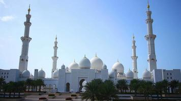 dubai main mosque day light time lapse