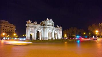 night light madrid arch de triumph traffic panorama 4k time lapse spain