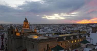 vista panorâmica da catedral de sevilha pôr do sol 4k espanha video