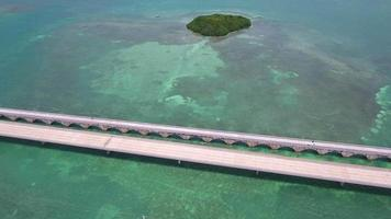 vídeo de drone aéreo a ponte de sete milhas florida keys video