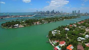 video aéreo de las islas venecianas miami beach