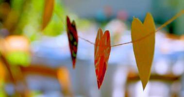 décorations en forme de coeur de métier en papier, symbole de romance heureuse