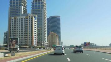 Emirati Arabi Uniti dubai tecom strada traffico giorno luce tempo 4k
