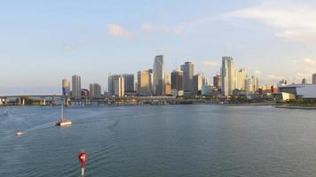 USA Miami Sommer Sonnenuntergang Innenstadt Golf Panorama 4k