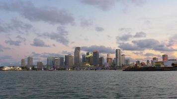 USA Sonnenuntergang Abendlichter Miami Innenstadt Panorama 4k