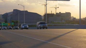 tramonto miami downtown ponte traffico costruzione vista 4k usa