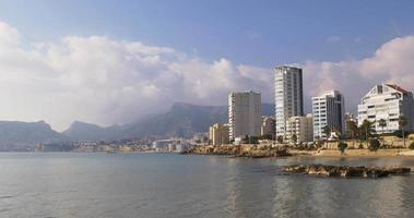 mer place calpe montagne nuages panorama 4k
