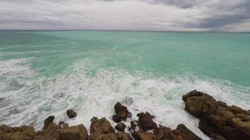 vista panoramica della costa e della spiaggia
