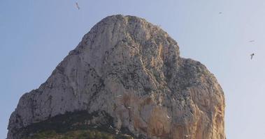 calpe lugar turístico montaña día luz 4k