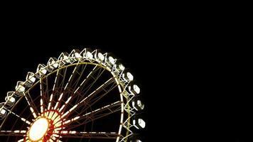 Riesenrad dreht sich nachts