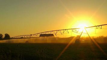 aspersor de campo agrícola video