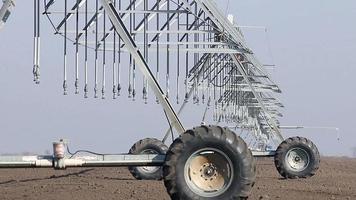 sistema de rociadores de pivote central agricultura video
