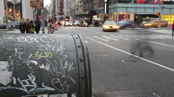 grafitti na caixa de correio, nyc. espaço de tempo.