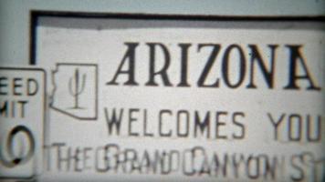 arizona 1955: vecchio segno di benvenuto arizona scatti di viaggi nella natura.