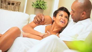 amare giovane coppia afro-americana