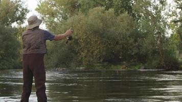 caccia al pesce