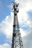 torre de comunicación de microondas
