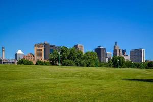 Midwestern metropolis skyline