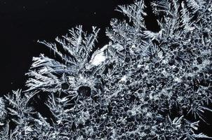 Grayscale ice crystals