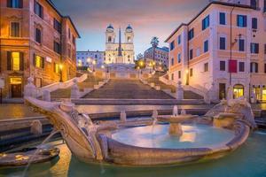 Piazza de Spagna en Roma, Italia foto