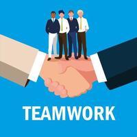 trabajo en equipo con empresarios elegantes
