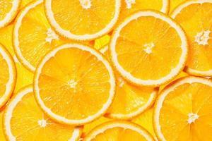 tranches de fruits orange colorés