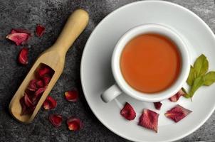 Fresh hot tea bio