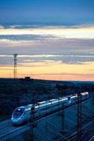 tren de alta velocidad foto