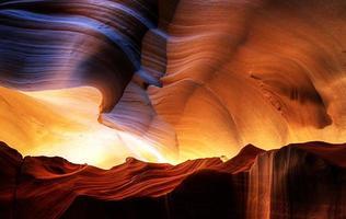 cañón del antílope - hermosas tallas de piedra arenisca foto
