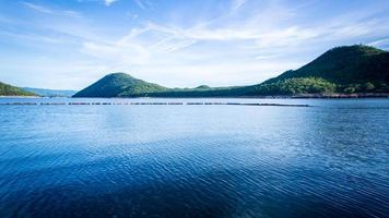 Presa y parque nacional sri na karin foto