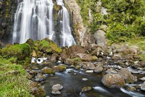 marokopa falls, nueva zelanda foto