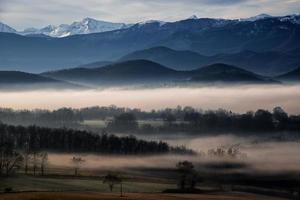 paisaje de montaña de los pirineos (francia)